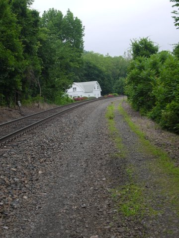 Trail to East of Metro-North Line