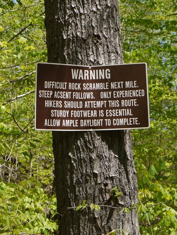 Misspelled warning sign, Palisades Interstate Park, Bergen County, New Jersey